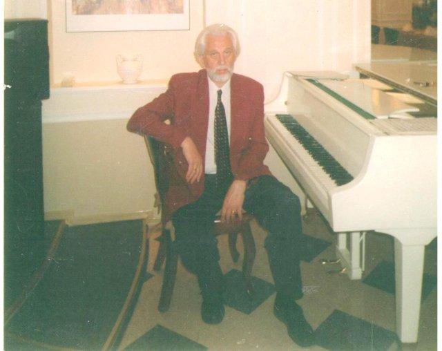 Валерий Сапаров